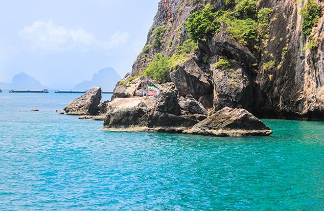 ข้อมูลเกาะม้า เราบริการเช่าเรือนำเที่ยวดำน้ำดูปลารอบเกาะม้า ตกปลาหมึกเกาะม้า แพ็คเกจตกปลาหมึกรอบๆเกาะม้า พร้อมทริปเที่ยวทะเลตรังราคาประหยัด โทร 091-0401234